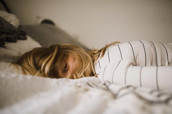 بی تحرکی و خواب بیش از حد از عوامل ایجاد سودا است.