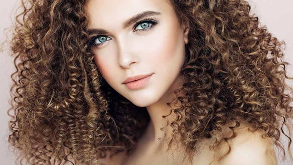 علائم غلبه سودا، موی خشک، ریزش موی سوداوی
