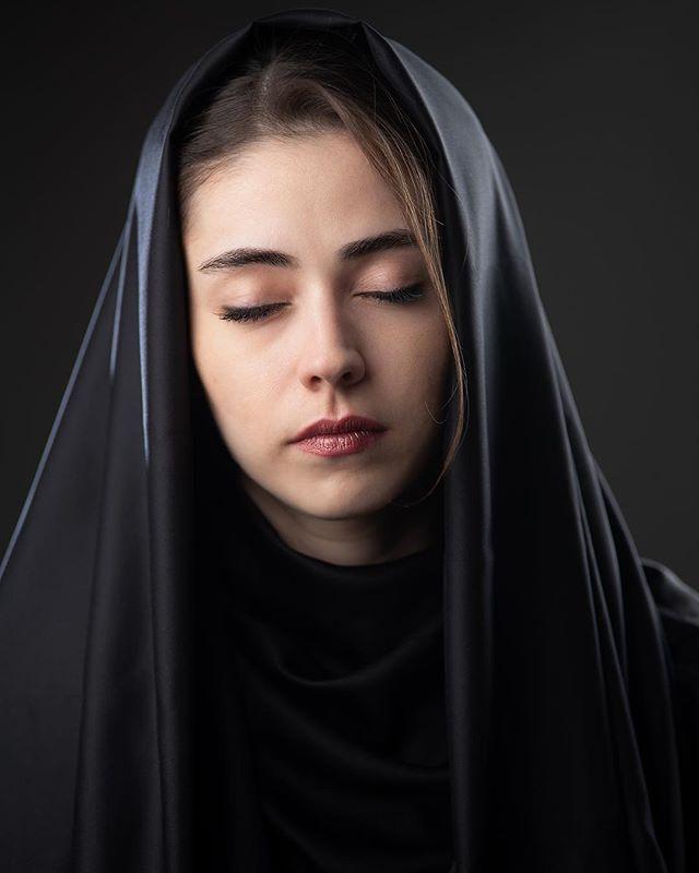 بیوگرافی نیلوف رجایی پور ، دختر داعشی سریال پایتخت