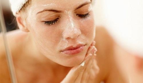 صابون گل ختمی برای درمان جوش، کک و مک و خشکی پوست